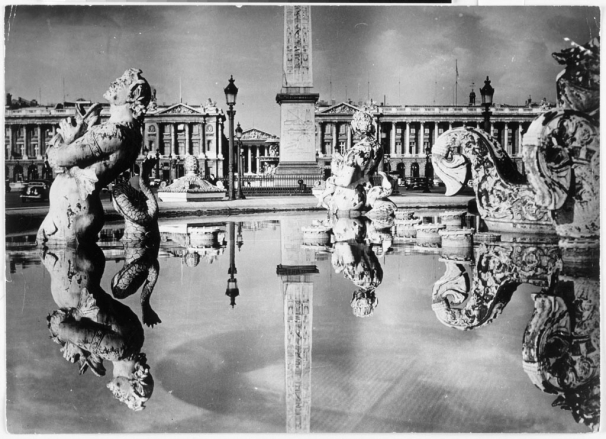 place_de_la_concorde_1945_copyright_estate_brassaï-rmn