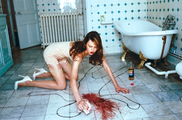 helmut-newton NO PILE (OF BLOOD) LEFT BEHIND 2003