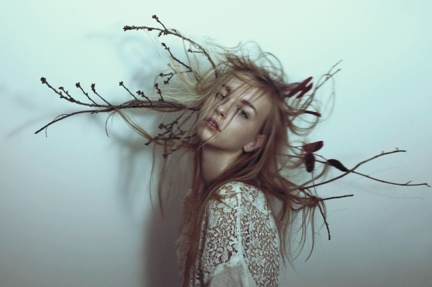 marta-bevacqua-photography-beatrice-simion-h-mayu-morimoto-mua-anais-cordevant-sty-yaya-moo-dark-sonata