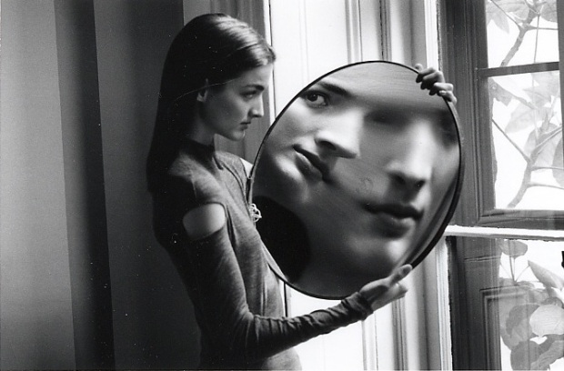duane-michals-dr-heisenbergs-magic-mirror-of-uncertainty-1998-2
